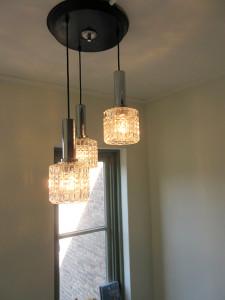 De B&B is ingericht met vintage meubelen en verlichting. Alles is ook te koop.