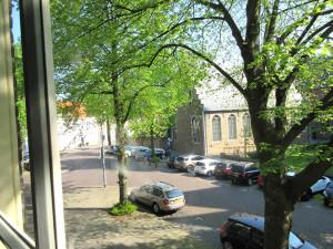 Uitzicht op de abdij, middenin het centrum van Middelburg.